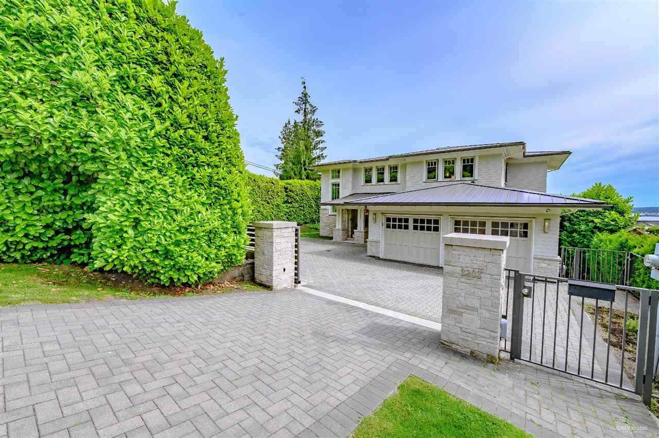 Main Photo: 2302 LAWSON AVENUE in West Vancouver: Dundarave House for sale : MLS®# R2492201