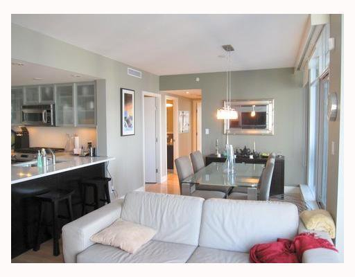 """Photo 5: Photos: 1901 1205 HASTINGS Street in Vancouver: Coal Harbour Condo for sale in """"THE CIELO"""" (Vancouver West)  : MLS®# V790471"""