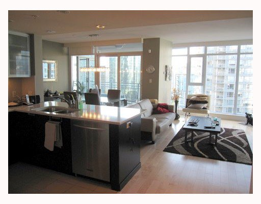 """Photo 3: Photos: 1901 1205 HASTINGS Street in Vancouver: Coal Harbour Condo for sale in """"THE CIELO"""" (Vancouver West)  : MLS®# V790471"""