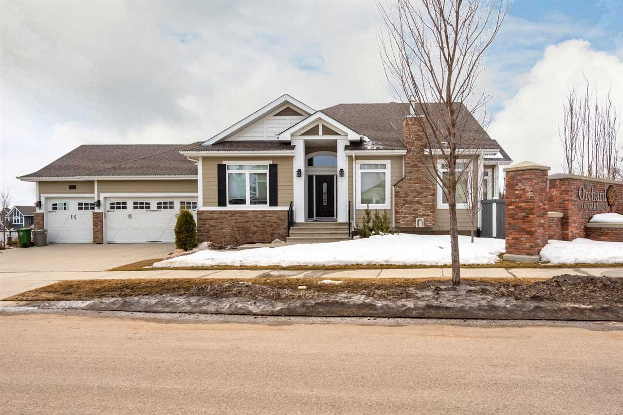 Main Photo: 70 ORCHARD Court: St. Albert House for sale : MLS®# E4194164