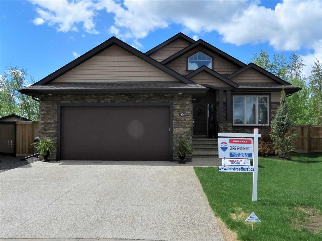 Main Photo: 9 ASPENGLEN Cove: Spruce Grove House for sale : MLS®# E4195175