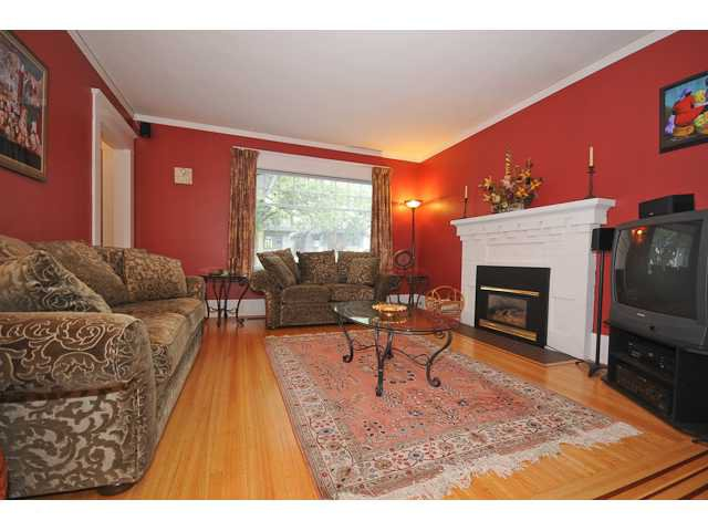 Photo 4: Photos: 947 W 20TH Avenue in Vancouver: Cambie House for sale (Vancouver West)  : MLS®# V850103