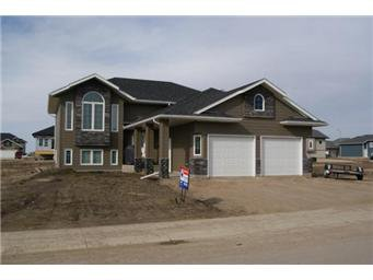 Main Photo: 414 Hogan Way: Warman Single Family Dwelling for sale (Saskatoon NW)  : MLS®# 390772