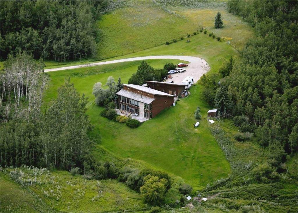 Main Photo: 242042 TWP RD 264: Rural Wheatland County Detached for sale : MLS®# C4272839