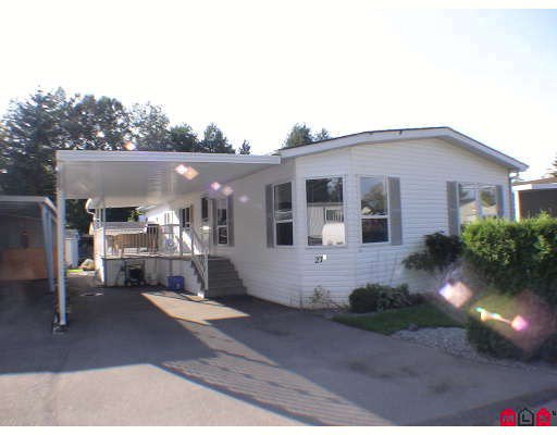"Main Photo: 27A 24330 FRASER Highway in Langley: Otter District Manufactured Home for sale in ""Langley Grove Estates"" : MLS®# F2825559"