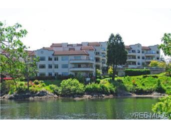 Main Photo: 403 1085 Tillicum Road in VICTORIA: Es Kinsmen Park Condo Apartment for sale (Esquimalt)  : MLS®# 263087