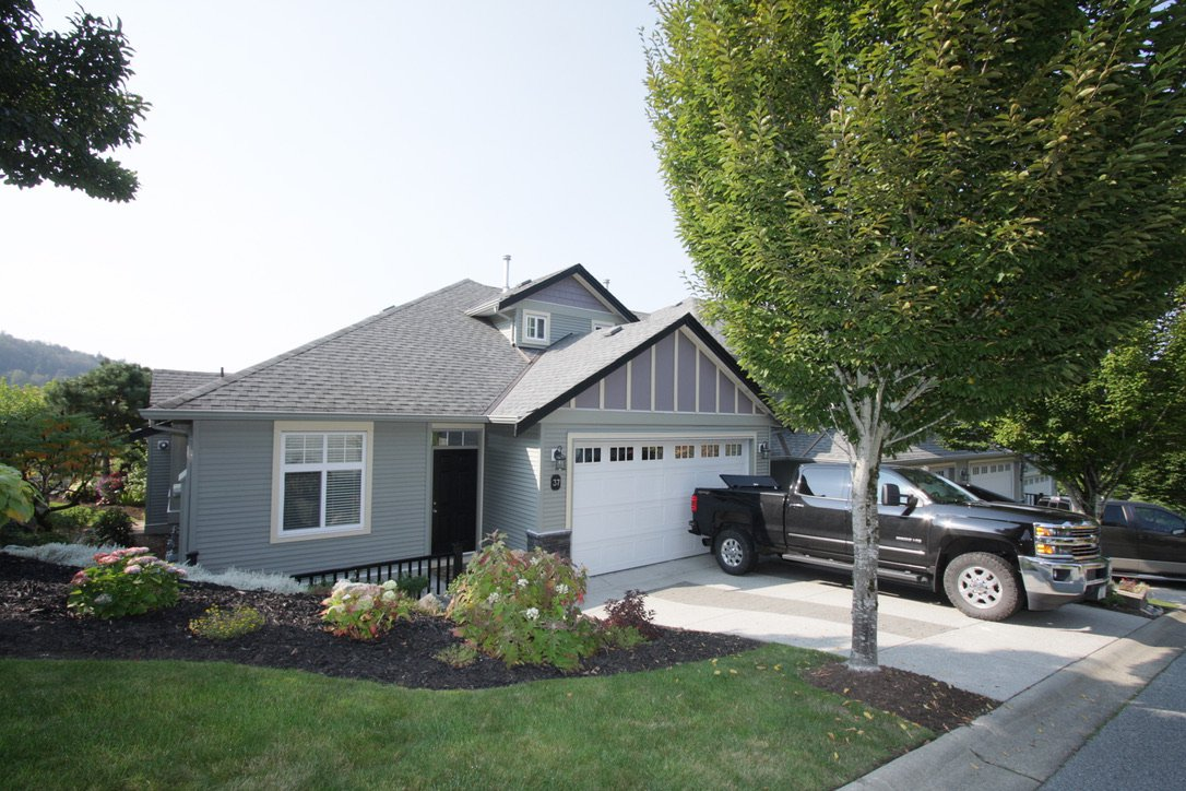 Main Photo: 37 36260 Mckee Road in Abbotsford: Abbotsford East Townhouse for sale : MLS®# R2511299
