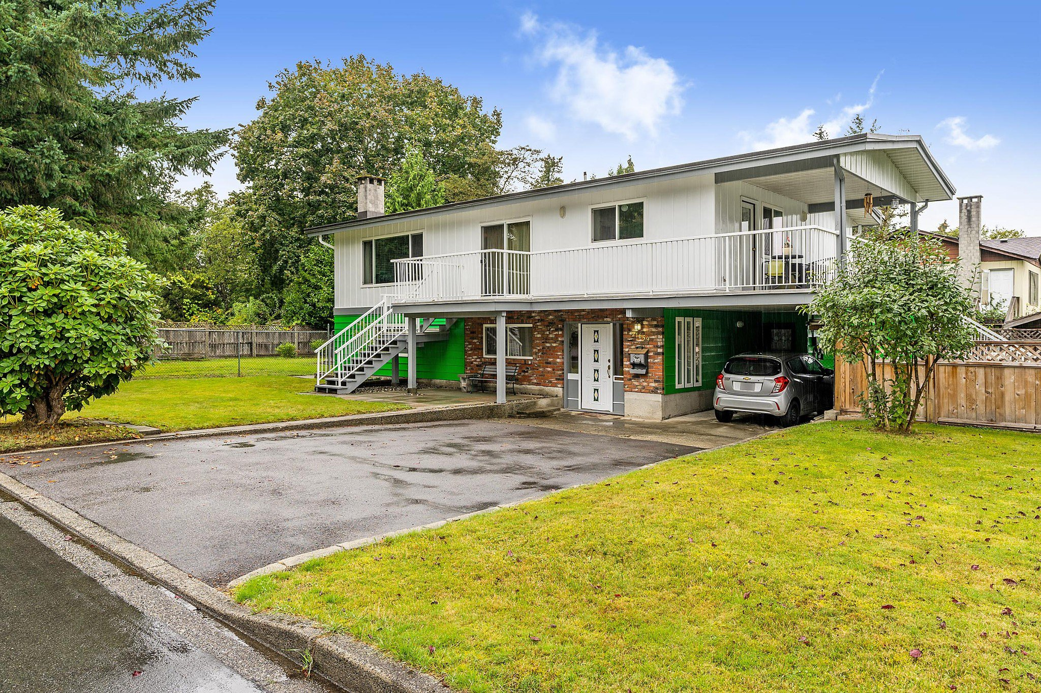 Main Photo: 21659 MANOR Avenue in Maple Ridge: West Central House for sale : MLS®# R2509330
