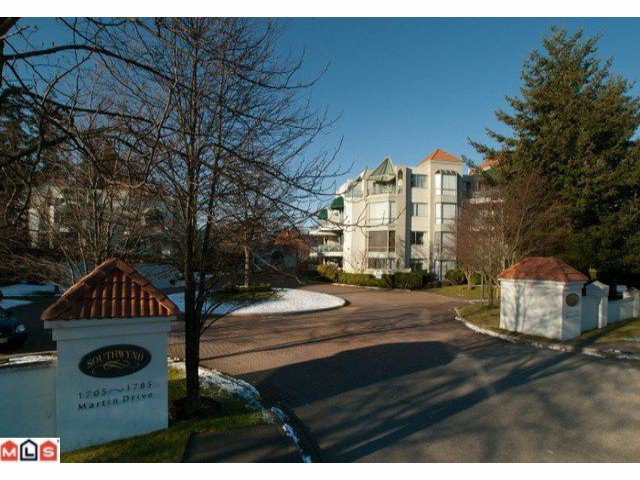 Main Photo: 107 1785 MARTIN Drive in Surrey: Sunnyside Park Surrey Condo for sale (South Surrey White Rock)  : MLS®# F1100144