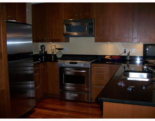 Main Photo: 223 E 17TH Street in North_Vancouver: Central Lonsdale House 1/2 Duplex for sale (North Vancouver)  : MLS®# V779427