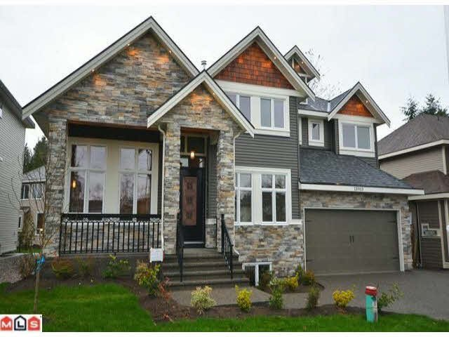 Main Photo: 15913 92 Ave in Surrey: Fleetwood Tynehead House for sale : MLS®# F1226635