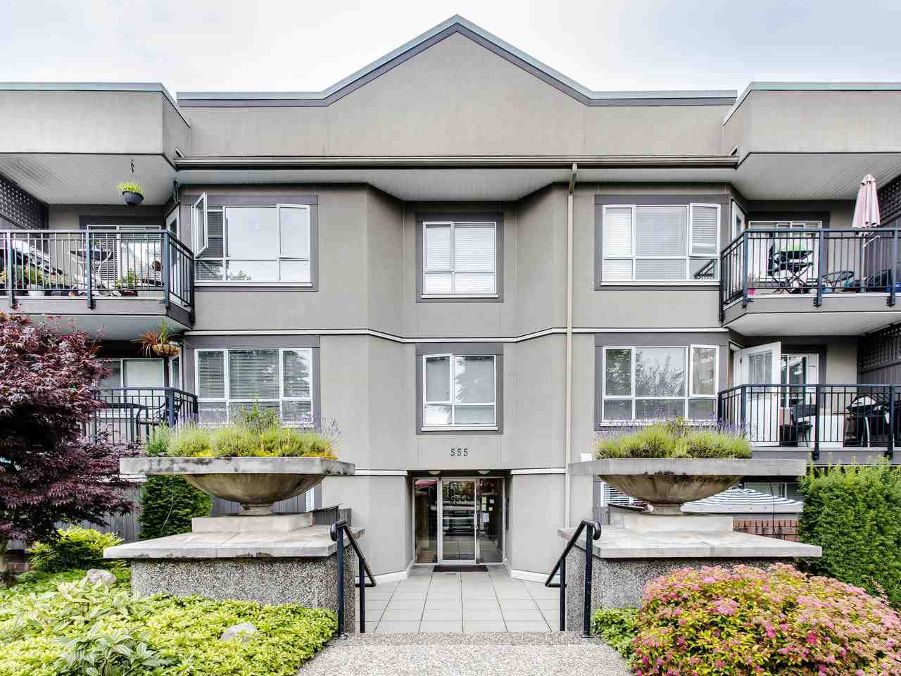 """Main Photo: 215 555 W 14TH Avenue in Vancouver: Fairview VW Condo for sale in """"Cambridge Place"""" (Vancouver West)  : MLS®# R2470013"""