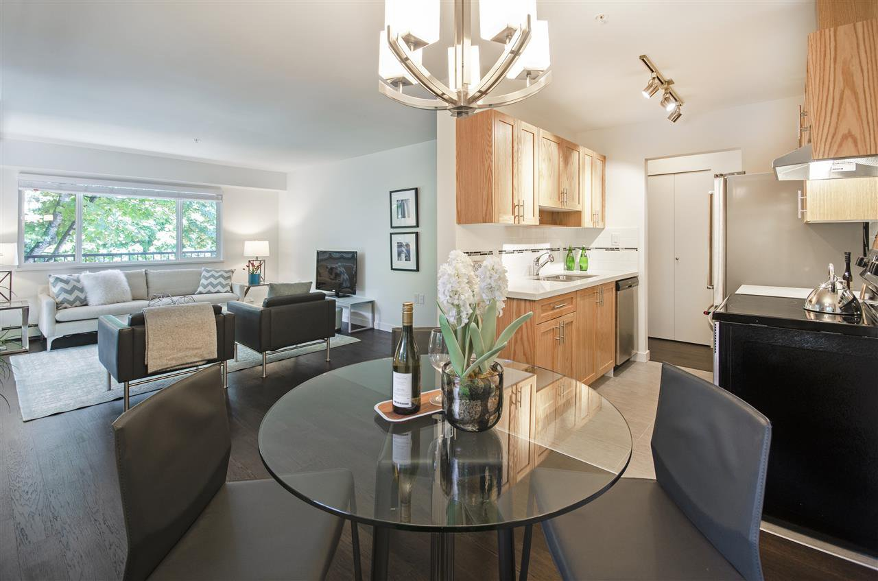 "Main Photo: 308 357 E 2ND Street in North Vancouver: Lower Lonsdale Condo for sale in ""The Hendriks"" : MLS®# R2480606"