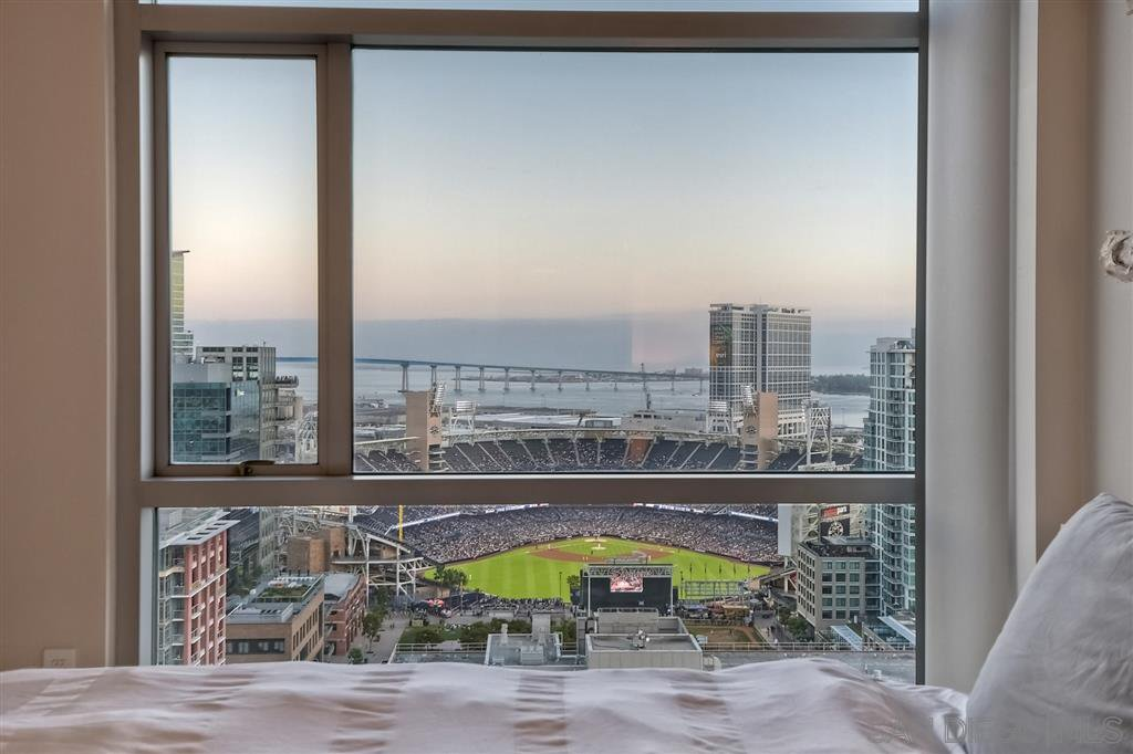 Main Photo: DOWNTOWN Condo for sale : 2 bedrooms : 800 The Mark Ln #2305 in San Diego