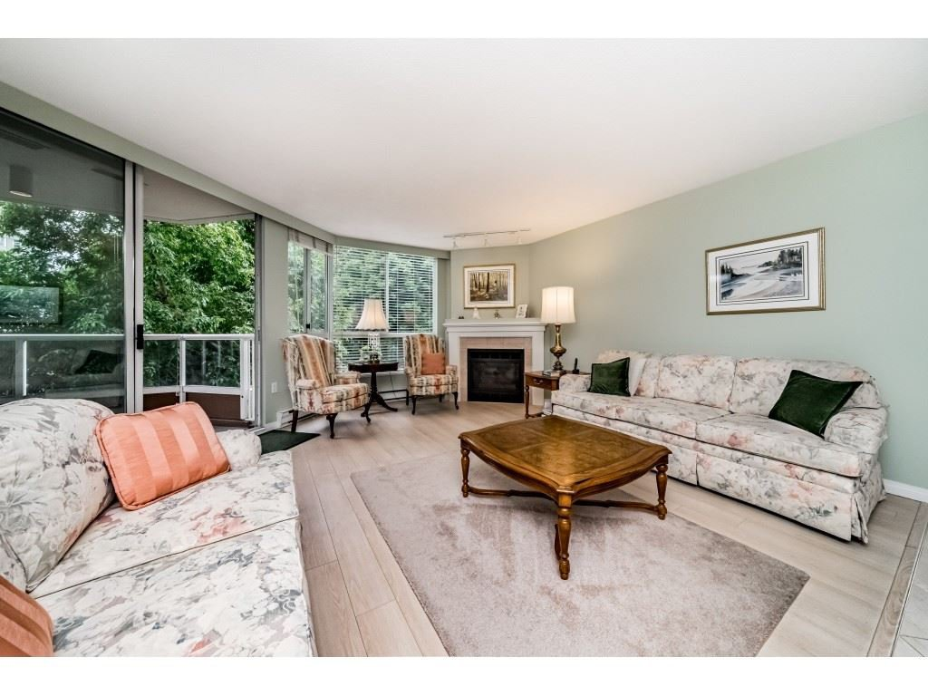 "Main Photo: 301 1245 QUAYSIDE Drive in New Westminster: Quay Condo for sale in ""RIVIERA"" : MLS®# R2406188"