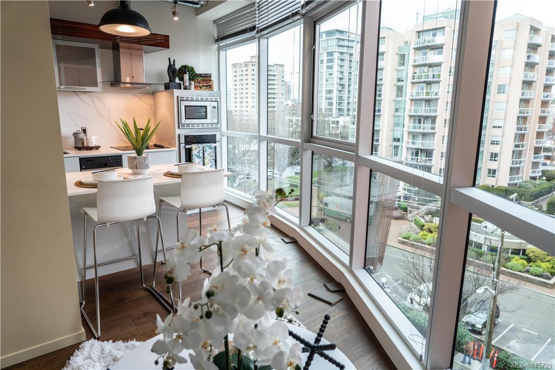 Main Photo: 615 1029 View St in : Vi Downtown Condo Apartment for sale (Victoria)  : MLS®# 845729