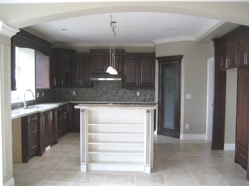 """Photo 8: Photos: 16368 58A Avenue in Surrey: Cloverdale BC House for sale in """"Highlands"""" (Cloverdale)  : MLS®# F1003455"""