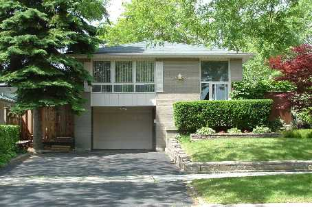 Main Photo: 19 Satok Terrace in Toronto: House (Bungalow-Raised) for sale (E10: TORONTO)  : MLS®# E1418865