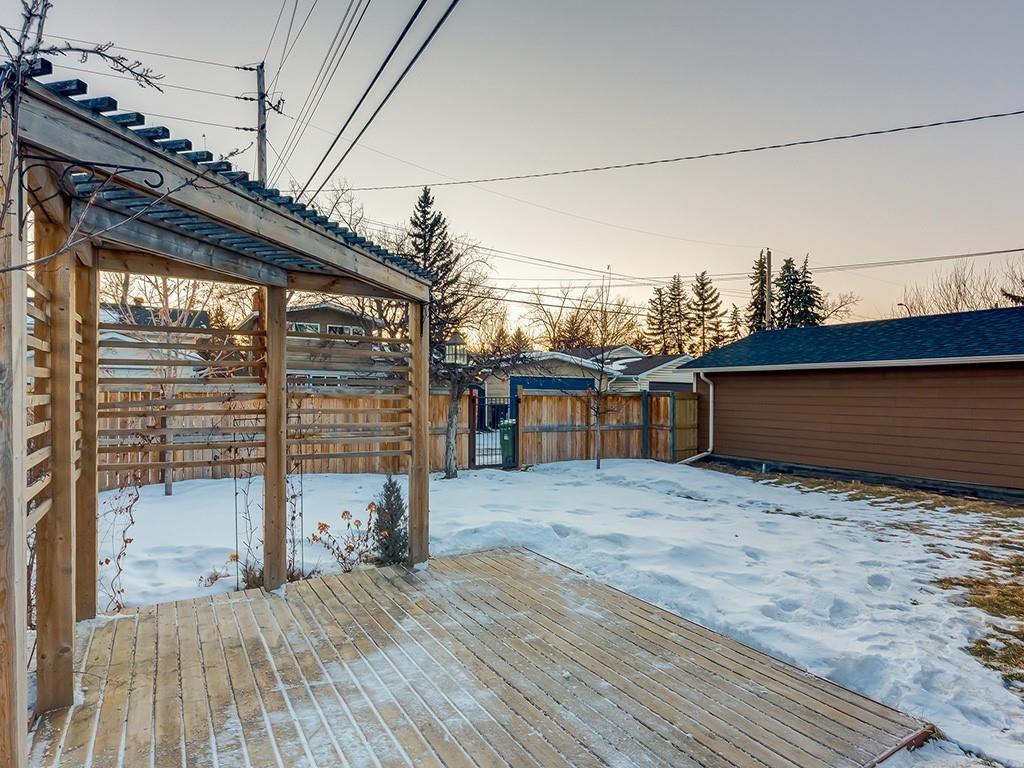 Photo 46: Photos: 10607 MAPLEBEND Drive SE in Calgary: Maple Ridge Detached for sale : MLS®# C4289445