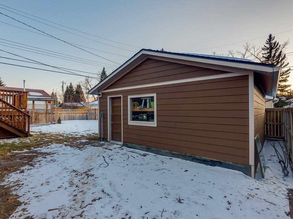 Photo 48: Photos: 10607 MAPLEBEND Drive SE in Calgary: Maple Ridge Detached for sale : MLS®# C4289445
