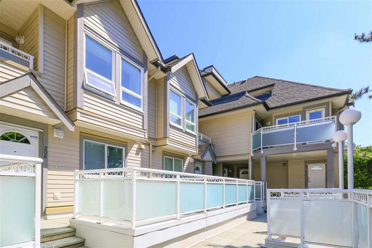 """Main Photo: 208 3709 PENDER Street in Burnaby: Willingdon Heights Townhouse for sale in """"LEXINGTON NORTH"""" (Burnaby North)  : MLS®# R2421868"""