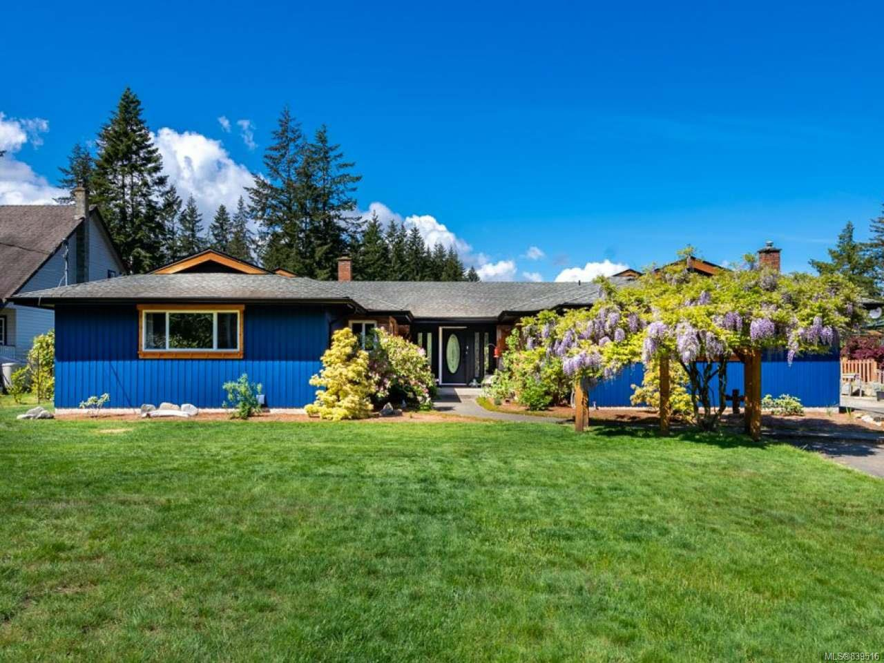 Main Photo: 9312 Martin Park Dr in BLACK CREEK: CV Merville Black Creek House for sale (Comox Valley)  : MLS®# 839516