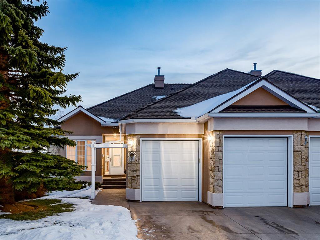 Main Photo: 30 SCIMITAR Court NW in Calgary: Scenic Acres Semi Detached for sale : MLS®# A1027323