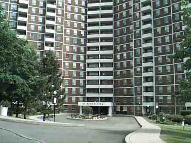 Main Photo: 10 10 Edgecliffe Golfway in Toronto: Condo for sale (E03: TORONTO)  : MLS®# E1919710