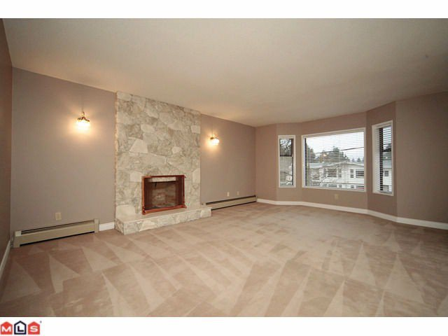 Photo 2: Photos: 3016 ROYAL Street in Abbotsford: Abbotsford West House for sale : MLS®# F1028723