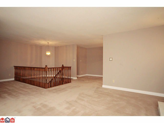 Photo 3: Photos: 3016 ROYAL Street in Abbotsford: Abbotsford West House for sale : MLS®# F1028723