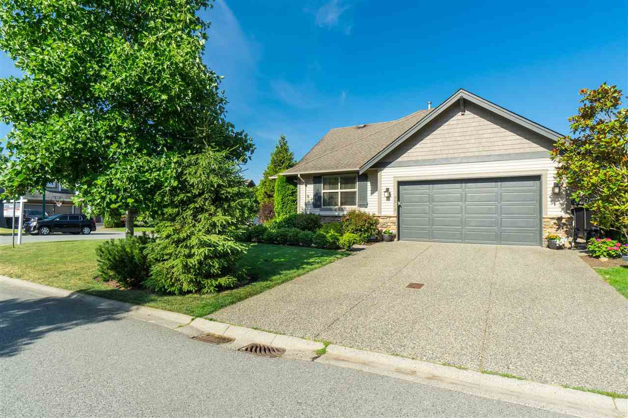 "Main Photo: 3815 CAVES Court in Abbotsford: Abbotsford East House for sale in ""Sandyhill"" : MLS®# R2407106"