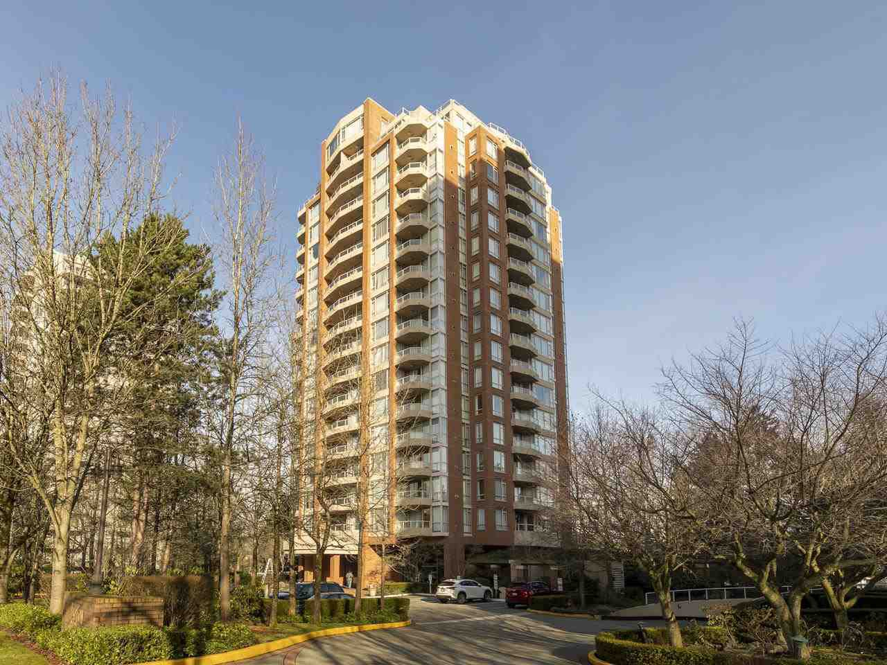 "Photo 1: Photos: 1503 4657 HAZEL Street in Burnaby: Forest Glen BS Condo for sale in ""THE LEXINGTON"" (Burnaby South)  : MLS®# R2434889"