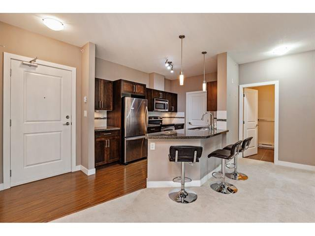 Photo 5: Photos: #402 33898 Pine St. in Abbotsford: Central Abbotsford Condo for rent