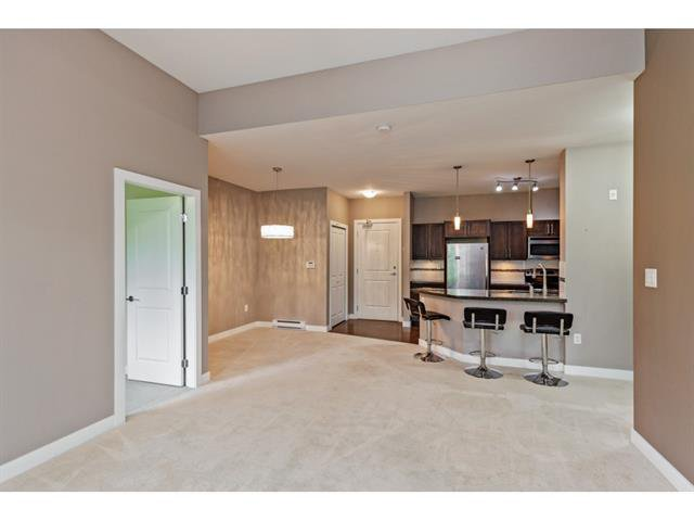 Photo 4: Photos: #402 33898 Pine St. in Abbotsford: Central Abbotsford Condo for rent