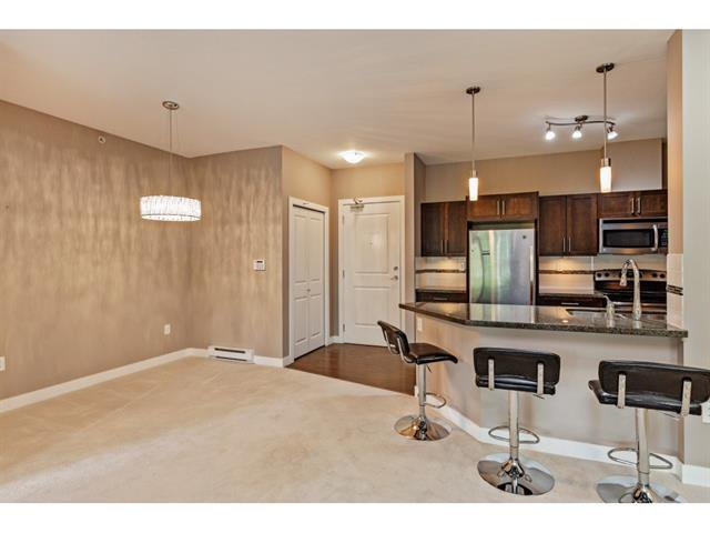 Photo 6: Photos: #402 33898 Pine St. in Abbotsford: Central Abbotsford Condo for rent