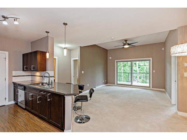 Photo 3: Photos: #402 33898 Pine St. in Abbotsford: Central Abbotsford Condo for rent