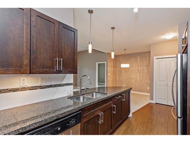 Photo 9: Photos: #402 33898 Pine St. in Abbotsford: Central Abbotsford Condo for rent