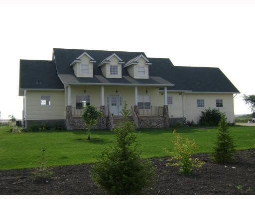 Photo 2: Photos:  in GRANDEPT: South St Vital Residential for sale (South East Winnipeg)  : MLS®# 2903197