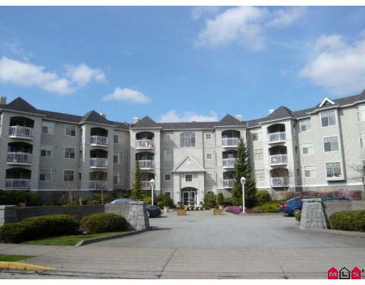 "Main Photo: 105 5677 208TH Street in Langley: Langley City Condo for sale in ""IVY LEA AT THE MEADOWS"" : MLS®# F2908370"