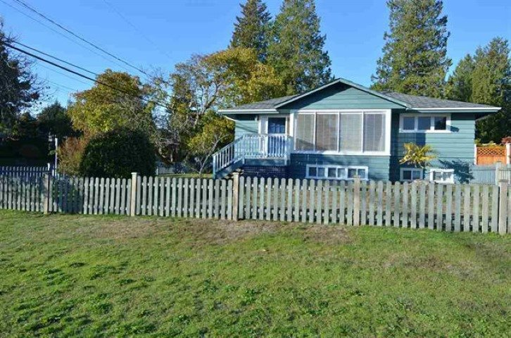 Main Photo: 1360 BEST Street: White Rock House for sale (South Surrey White Rock)  : MLS®# R2452958