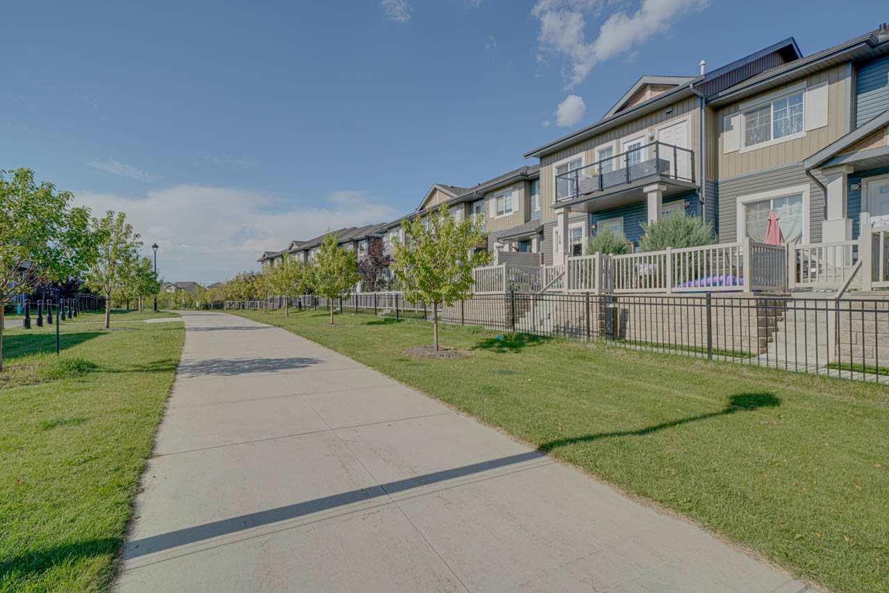 Main Photo: 18 1030 CHAPPELLE Boulevard in Edmonton: Zone 55 Townhouse for sale : MLS®# E4175766