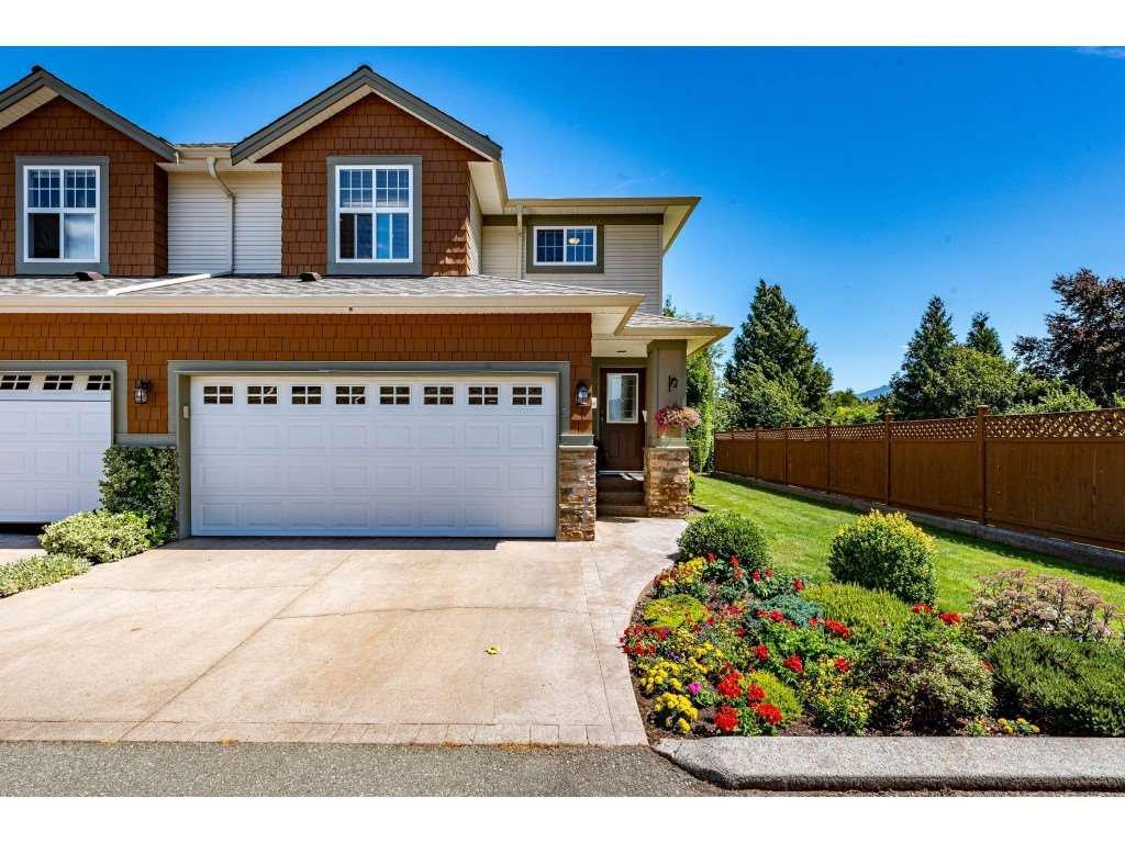 "Main Photo: 5 7475 GARNET Drive in Chilliwack: Sardis West Vedder Rd Townhouse for sale in ""Silver Creek Estates"" (Sardis)  : MLS®# R2481336"