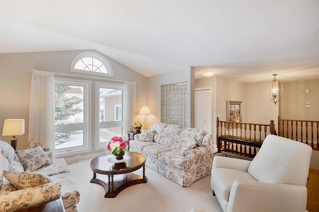Photo 6: Photos: 15 Arbour Ridge Way NW in Calgary: Arbour Lake Detached for sale : MLS®# A1049073