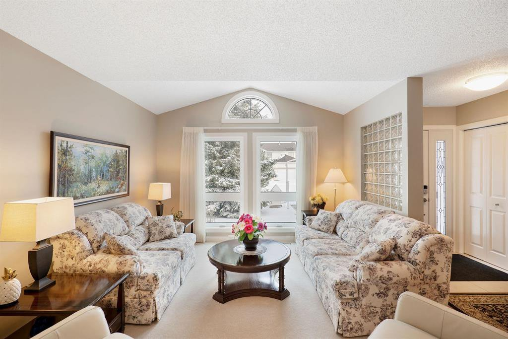 Photo 5: Photos: 15 Arbour Ridge Way NW in Calgary: Arbour Lake Detached for sale : MLS®# A1049073