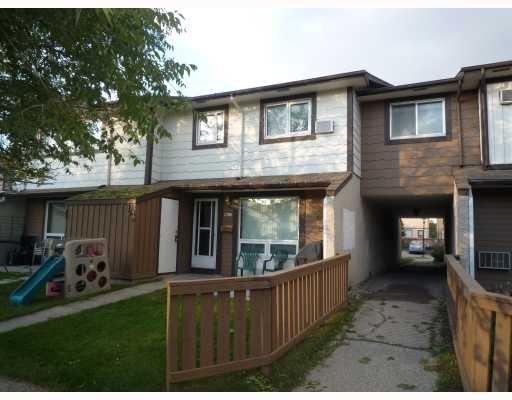 Main Photo: 913 Jefferson Avenue in WINNIPEG: Maples / Tyndall Park Condominium for sale (North West Winnipeg)  : MLS®# 2919028