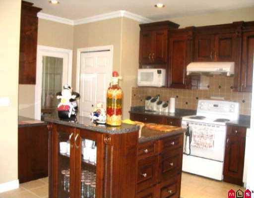 "Photo 4: Photos: 16522 64TH AV in Surrey: Cloverdale BC House for sale in ""CLOVER RIDGE"" (Cloverdale)  : MLS®# F2518377"