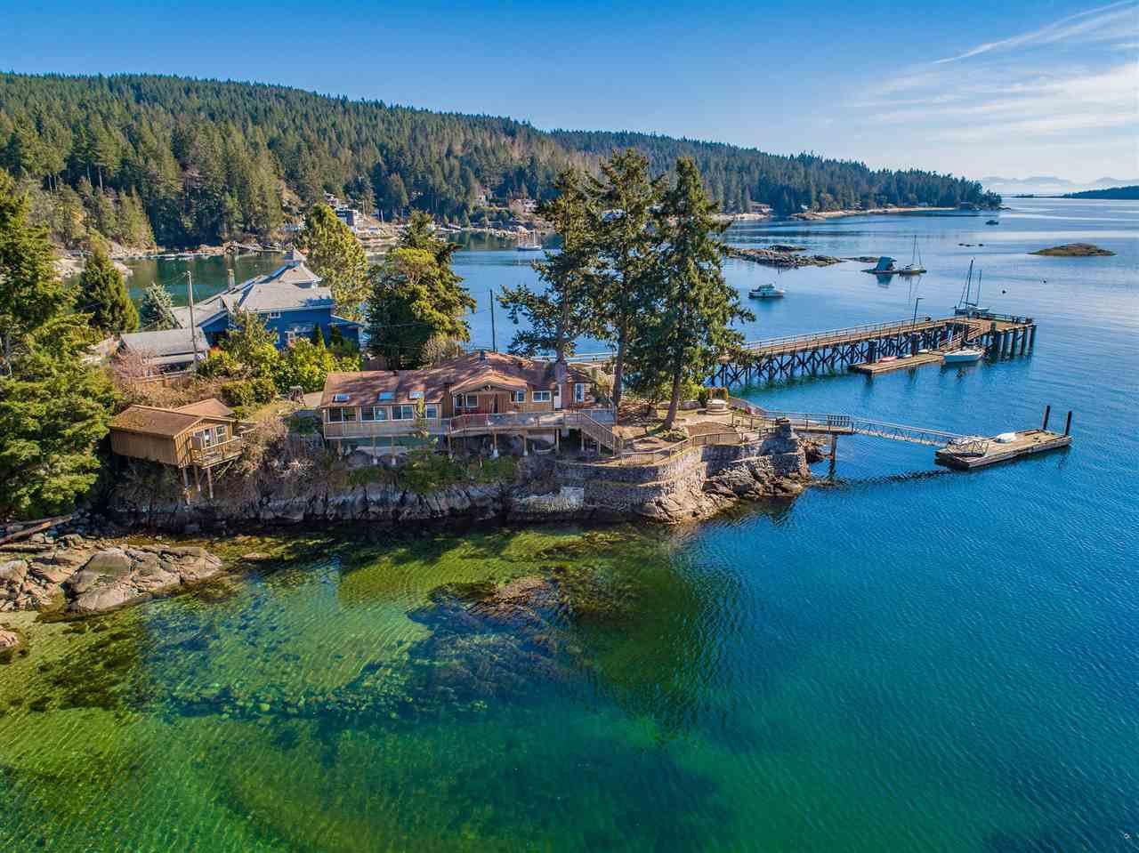 Main Photo: 5603 MINTIE Road in Halfmoon Bay: Halfmn Bay Secret Cv Redroofs House for sale (Sunshine Coast)  : MLS®# R2418354