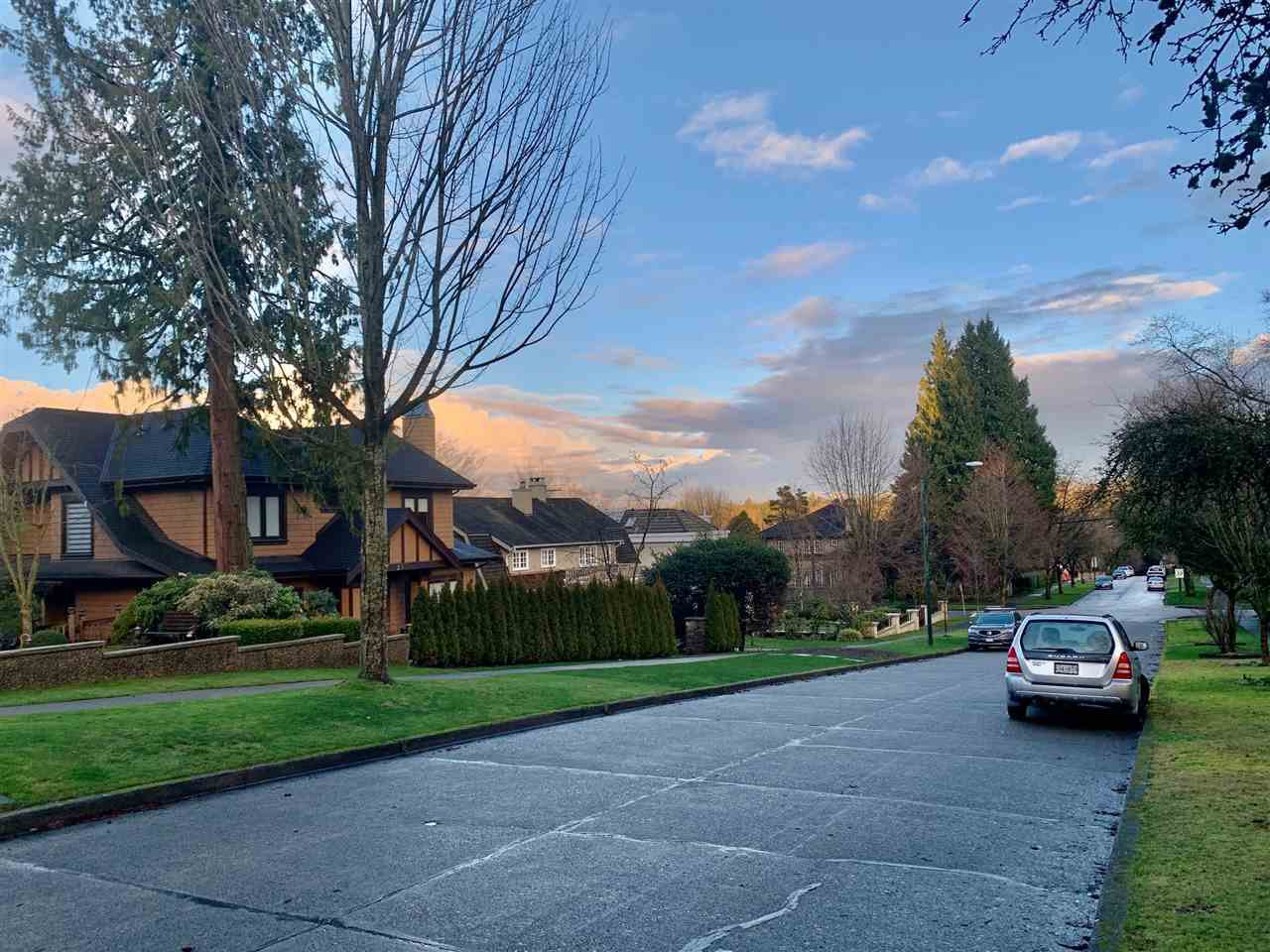 Photo 2: Photos: 2388 W 34 Avenue in Vancouver: Quilchena House for sale (Vancouver West)  : MLS®# R2431261