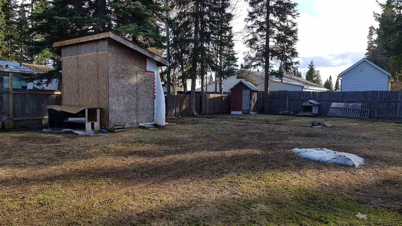 """Photo 16: Photos: 6993 ADAM Drive in Prince George: Emerald Manufactured Home for sale in """"EMERALD"""" (PG City North (Zone 73))  : MLS®# R2444939"""