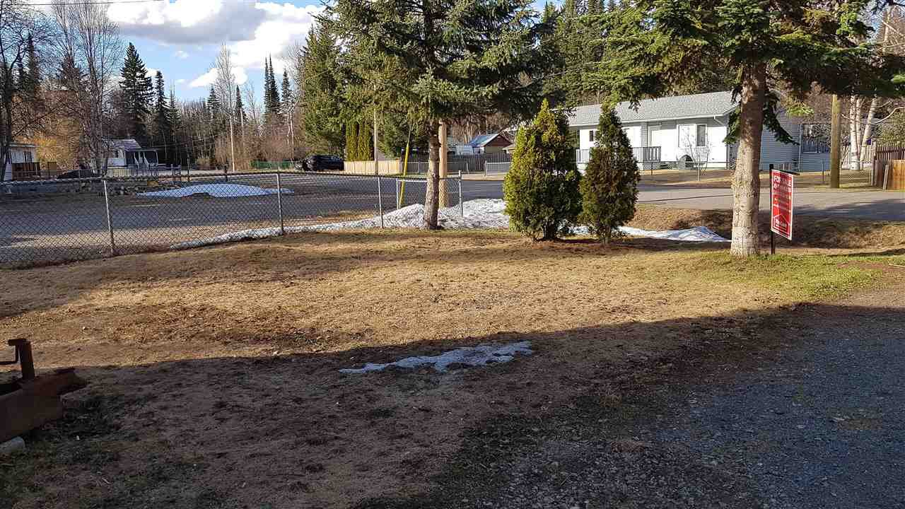 """Photo 12: Photos: 6993 ADAM Drive in Prince George: Emerald Manufactured Home for sale in """"EMERALD"""" (PG City North (Zone 73))  : MLS®# R2444939"""